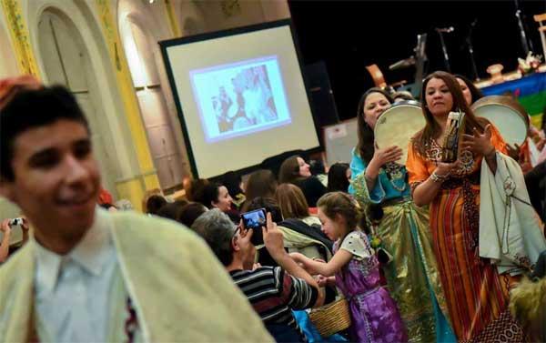 Algériens de la diaspora célèbre Yennayer