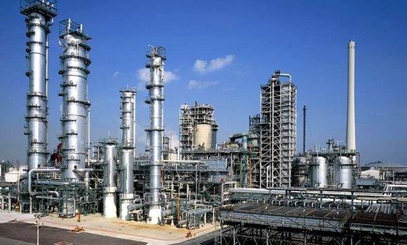 raffinerie à l'étranger