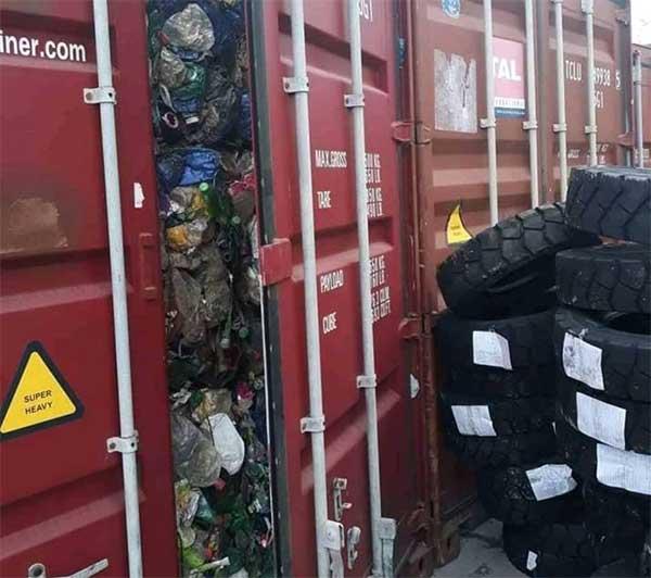 17 conteneurs de poubelles