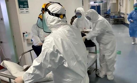Coronavirus: La courbe joue aux montagnes russes en Algérie