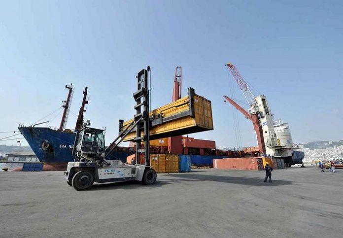 Baisse considérable du déficit de la balance commerciale