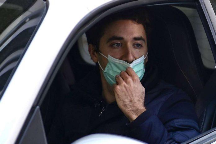 Le port du masque sanitaire n'est plus obligatoire en voiture