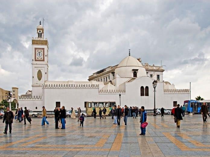 Les Imams appellent à l'ouverture des mosquées