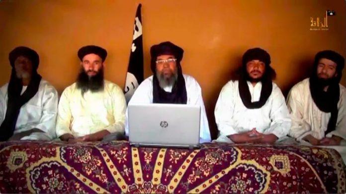 Deux soldats français tués à Tessalit, au Nord-Mali: AQMI et « Nosrat al islam » revendiquent l'attentat