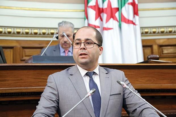Tebboune limoge Brahim Boumzar, ministre de la Poste et des Télécommunications