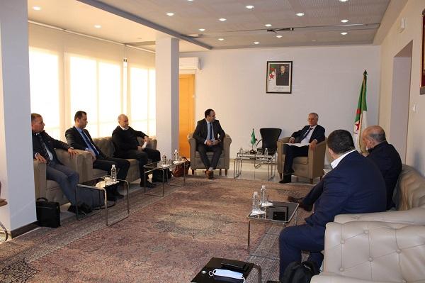 Industrie : Les Fabricants de produits électroniques et électroménagers chez Ferhat Ait Ali