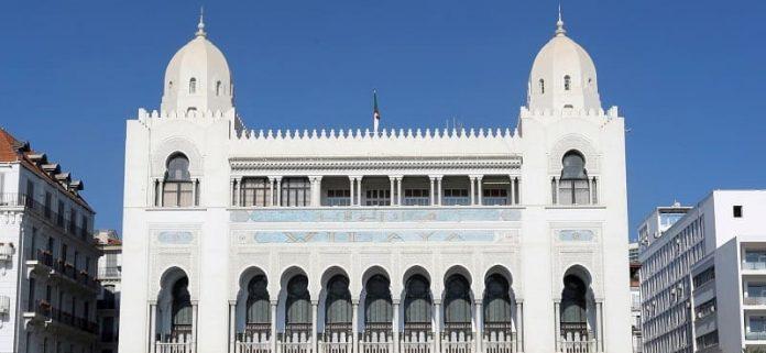 Zones d'ombre à Alger: 3 milliards DA pour la réalisation de 300 projets