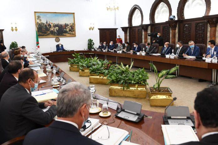 Tebboune préside aujourd'hui la réunion périodique du Conseil des ministres