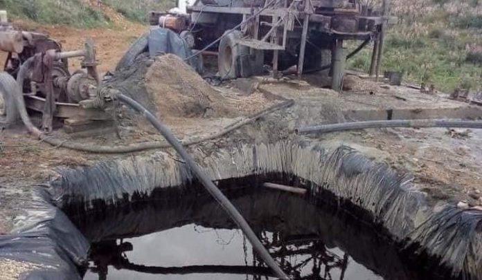 Substances pétrolières à Constantine: il s'agit d'une huile moteur dégradée