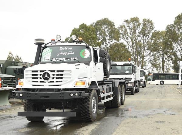 Industrie militaire : 236 véhicules livrés par l'usine Mercedes-Benz